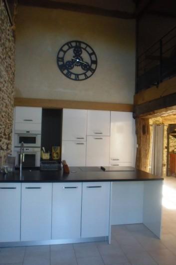 Location de vacances - Gîte à Litteau - cuisine aménagée avec ilot central