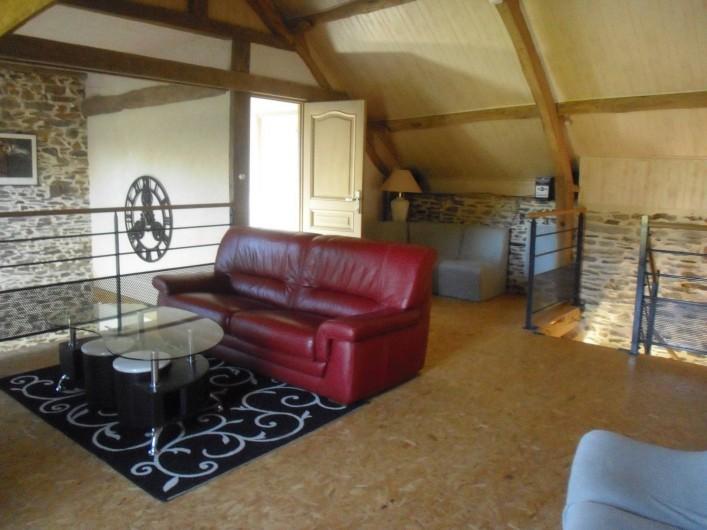 Location de vacances - Gîte à Litteau - mezzanine canapé cuir, TV d'orange, chaine hifi,  Wifi