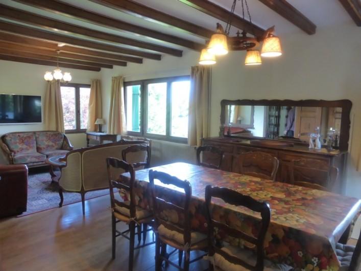 Location de vacances - Chalet à Combloux - Séjour côté salle à manger