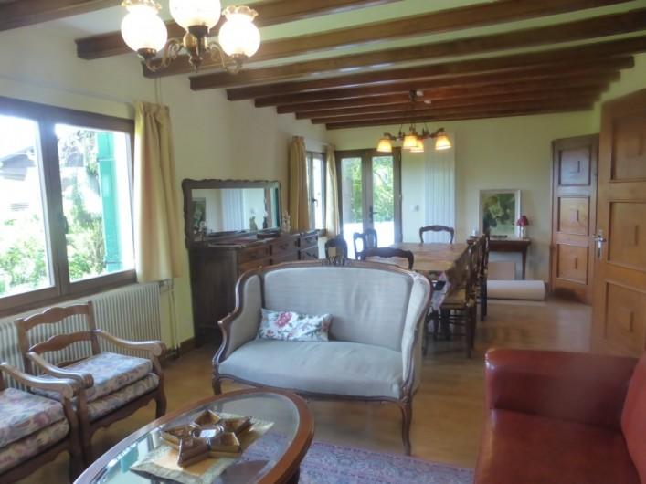 Location de vacances - Chalet à Combloux - Séjour côté salon