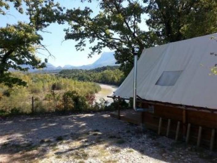 Location de vacances - Camping à Piégros-la-Clastre - Tente Trappeur équipée pour 8 pers en bord de Drôme au camping Les Chamberts.