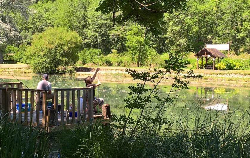 Location de vacances - Bungalow - Mobilhome à La Cassagne - intérieur d'un mobil-home 4 pers.
