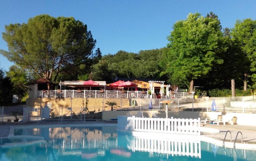 Location de vacances - Bungalow - Mobilhome à La Cassagne - piscine le matin