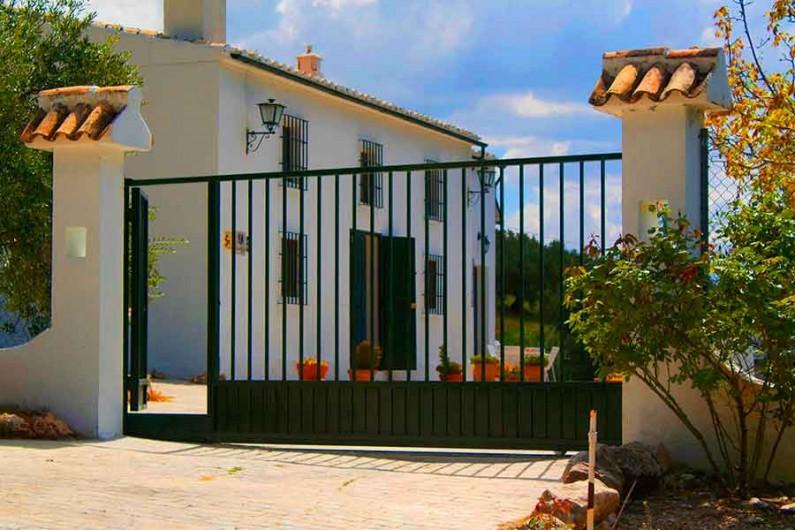 Location de vacances - Villa à Carcabuey - PUERTA AUTOMATICA