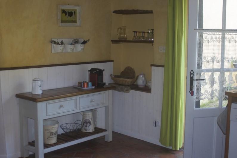Location de vacances - Gîte à Ossages - Côté cour côté jardin intérieur