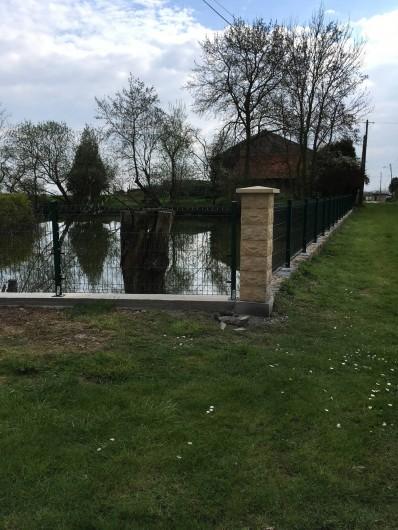 Location de vacances - Maison - Villa à Saint-Germain-sous-Doue - Plan d'eau CLÔTURÉ