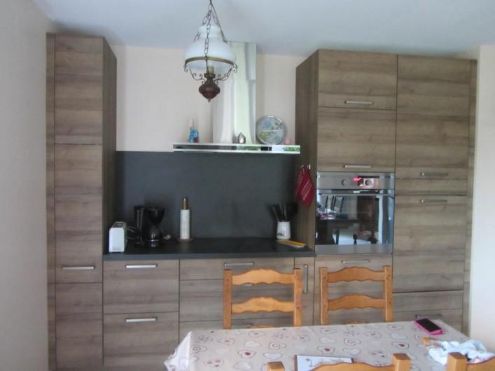 Location de vacances - Appartement à Faverges - cuisine complète