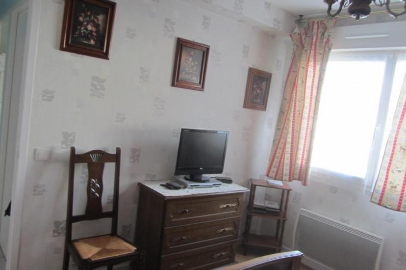 Location de vacances - Appartement à Faverges - télévision dans chambre à lit 2 places