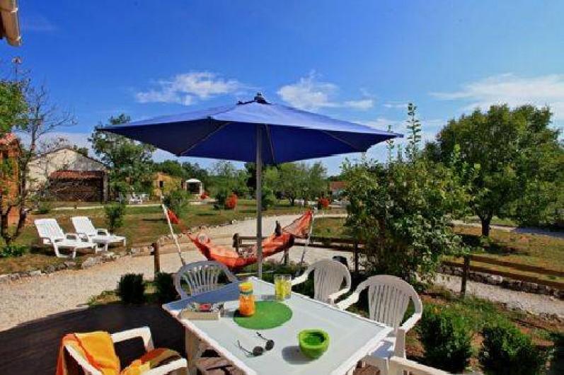 Location de vacances - Gîte à Orliaguet - Terrasse d'un gîte