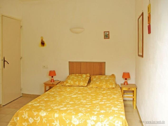 Location de vacances - Villa à Maubec - la piscine la nuit