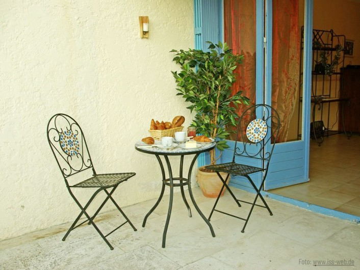 Location de vacances - Villa à Maubec - vue d'ensemble sur la piscine