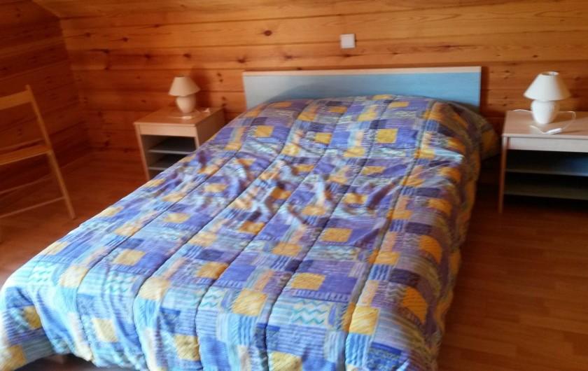 Location de vacances - Chalet à Le Menil - 1ère chambre : 1 lit 140x190