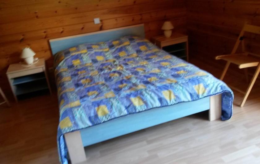 Location de vacances - Chalet à Le Menil - 2ème chambre : 1 lit 140x190