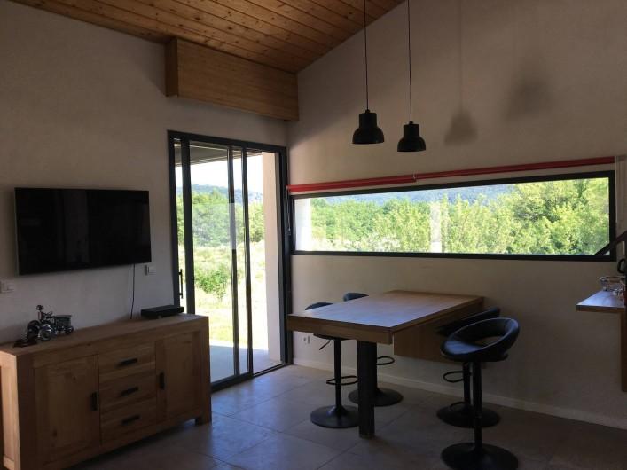 Location de vacances - Gîte à Saint-Zacharie - Séjour / salle à manger