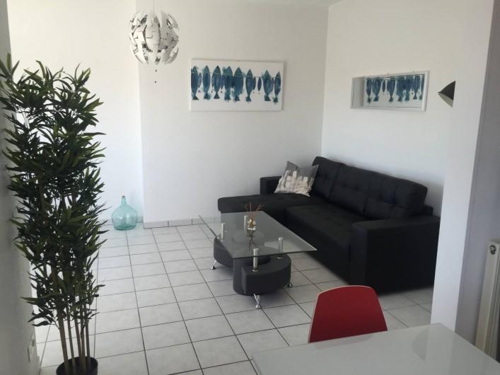 Location de vacances - Appartement à Royan - Salon vue cuisine