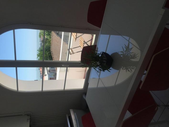 Location de vacances - Appartement à Royan - Vue cuisine