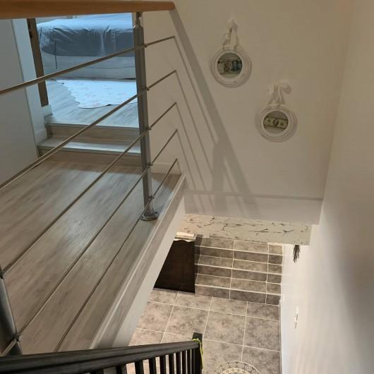 Location de vacances - Maison - Villa à Vineuil - escalier et étage