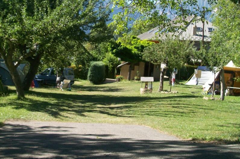 Location de vacances - Chalet à Saint-André-d'Embrun - Camping