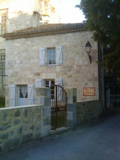 Location de vacances - Maison - Villa à Fourcès - Accès rue piétonne village