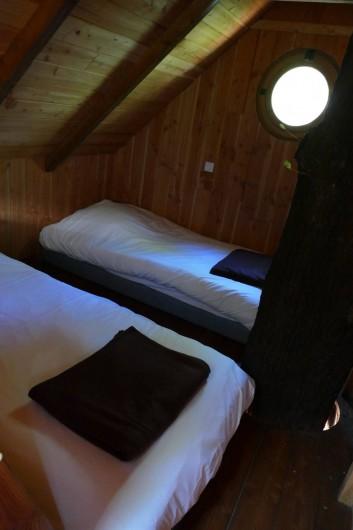 """Location de vacances - Chambre d'hôtes à Saint-Martial-Entraygues - 2ème chambre de la cabane """"Des Chesnaies"""""""