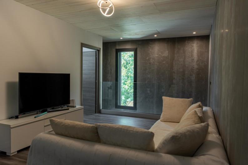 Location de vacances - Villa à Callian - Coin Télévision
