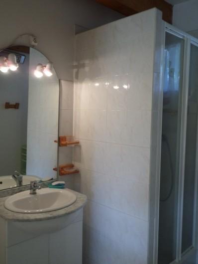 Location de vacances - Gîte à Lablachère - salle d'eau