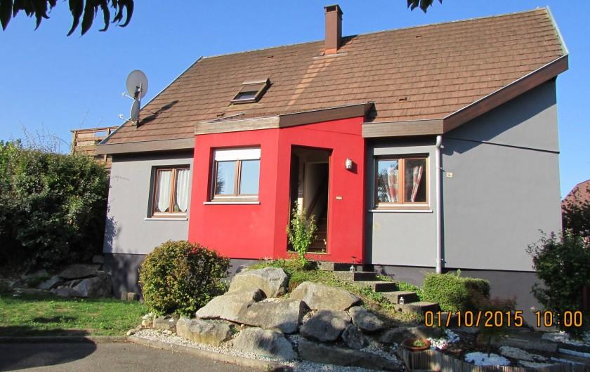 Location de vacances - Appartement à Wintzenheim - Maison  coté est Parking privatif