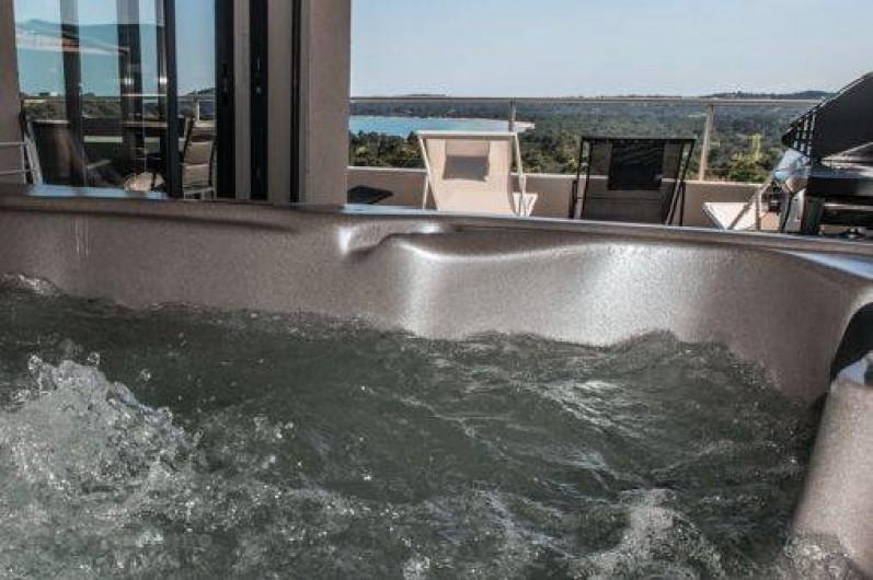 Location de vacances - Maison - Villa à Porto-Vecchio - Jacuzzi avec vue mer