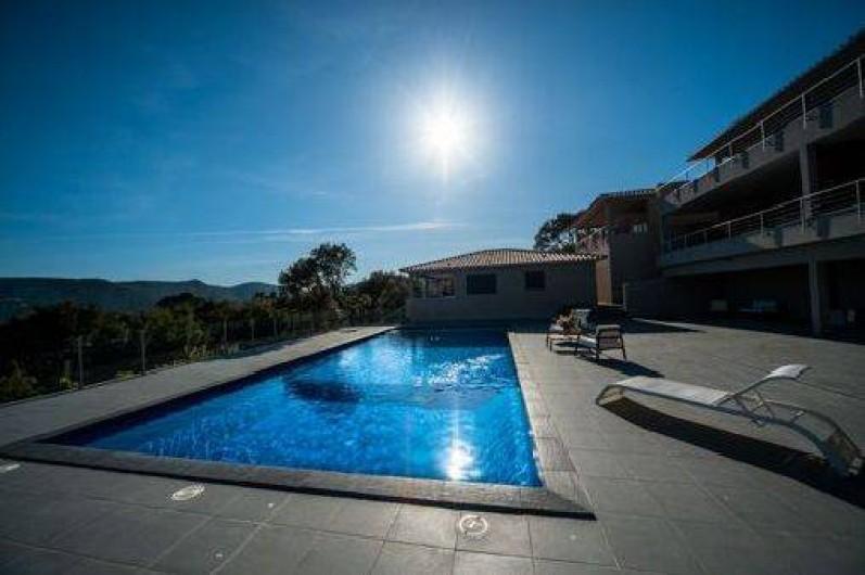 Location de vacances - Maison - Villa à Porto-Vecchio - Piscine 29 degrés