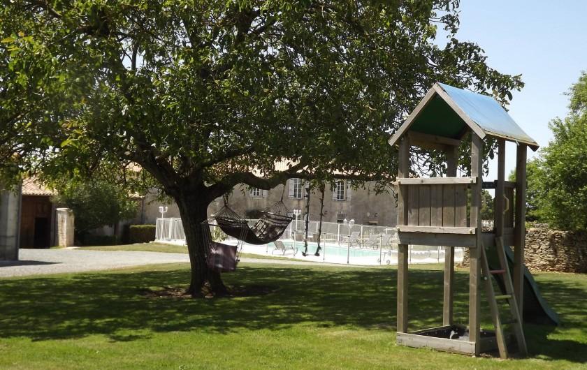 Location de vacances - Gîte à Xaintray - Espace jeux pour les enfants