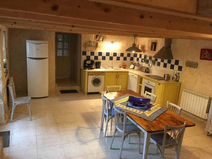 Location de vacances - Gîte à Xaintray - Cuisine 28 m²