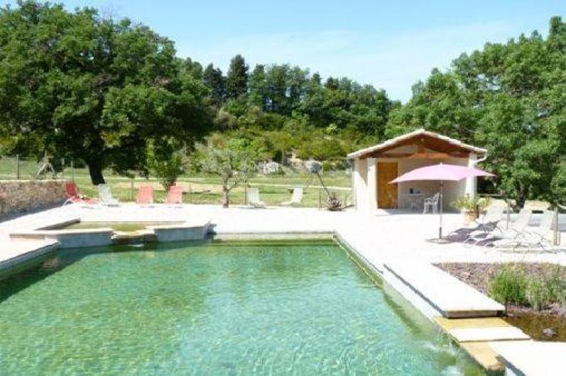 Location de vacances - Mas à Châteauneuf-du-Rhône - Piscine Naturelle