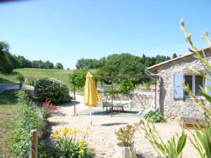 Location de vacances - Mas à Châteauneuf-du-Rhône - Terrasse Jas du Haut