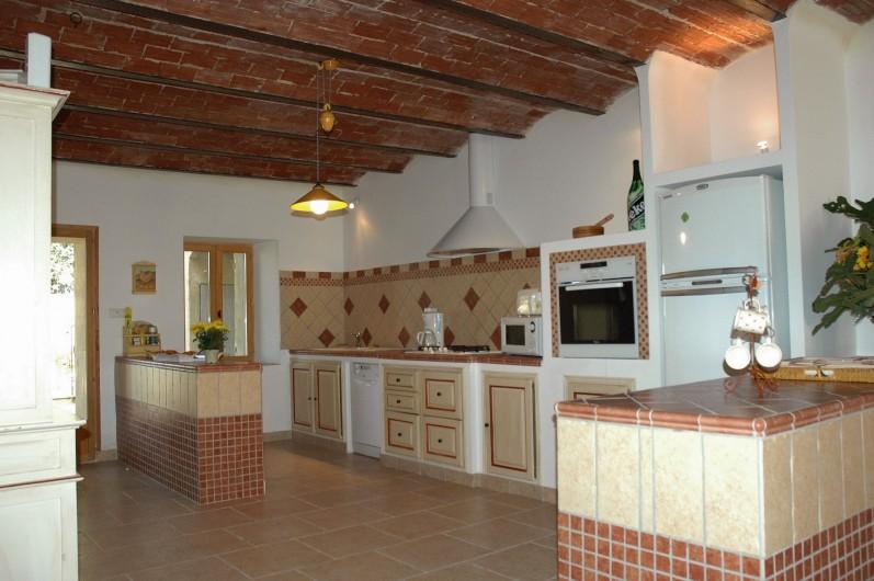 Location de vacances - Mas à Villelaure - Cuisine typiquement provençale