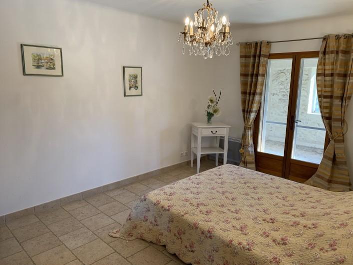 Location de vacances - Mas à Villelaure - Chambre 2 avec accès à la loggia également
