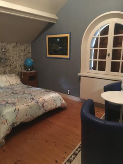 Location de vacances - Maison - Villa à Tessy-Bocage - La chambre 1 est spacieuse.