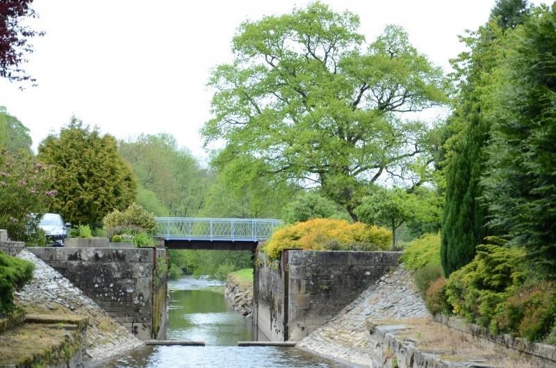 Location de vacances - Maison - Villa à Tessy-Bocage - Le pont qui sert d'accès à la maison et son parc.