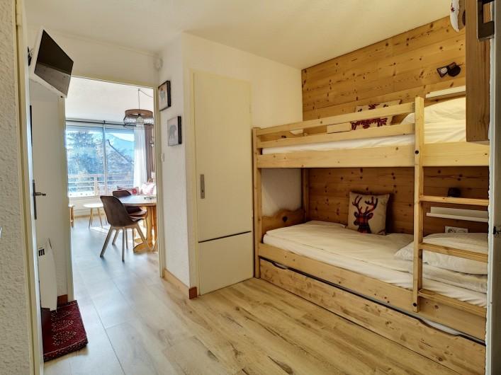 Location de vacances - Appartement à Les Deux Alpes - Coin montagne séparé avec TV