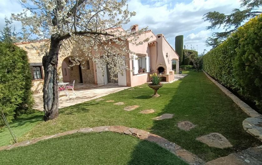 Location de vacances - Villa à La Cadière-d'Azur - TERRASSE CUISINE-BARBECUE