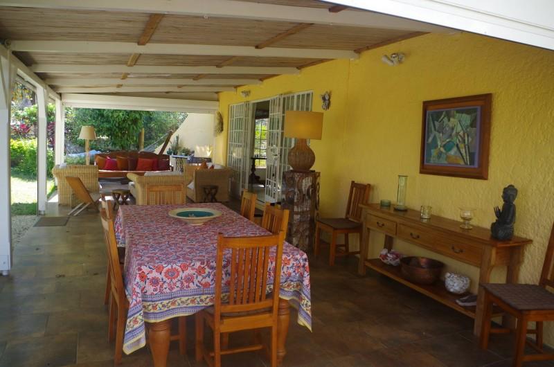 Location de vacances - Villa à Pereybere - Coin repas sous la varangue