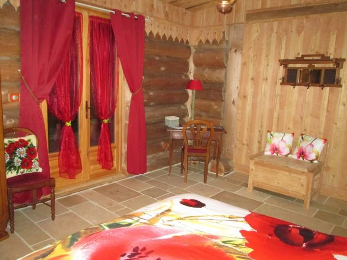 Location de vacances - Chambre d'hôtes à Orconte - Chambre Coquelicot