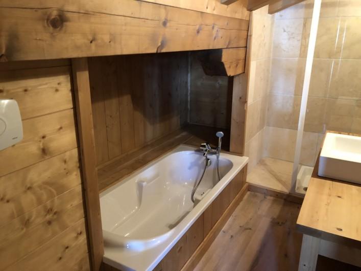 Location de vacances - Chalet à Megève - salle de bain st bernard