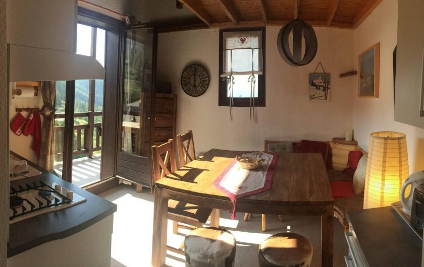 Location de vacances - Appartement à Station de Risoul 1850 - Au 1er niveau : une pièce conviviale...