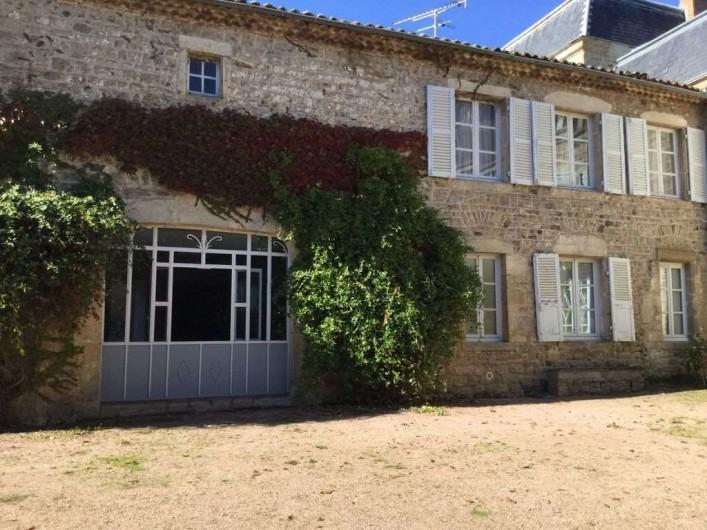 Location de vacances - Appartement à Trézioux - exterieur du gite
