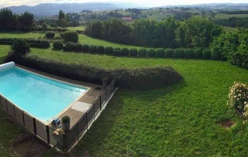 Location de vacances - Appartement à Trézioux - piscine