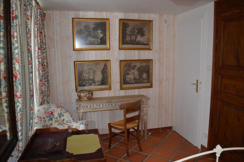 Location de vacances - Appartement à Trézioux - autre vue chambre n°1
