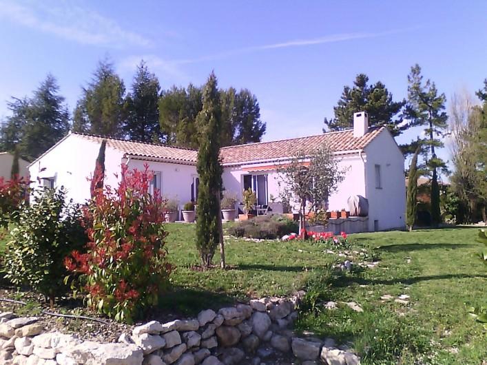 Location de vacances - Villa à Saint-Michel-l'Observatoire - Vue générale de la villa