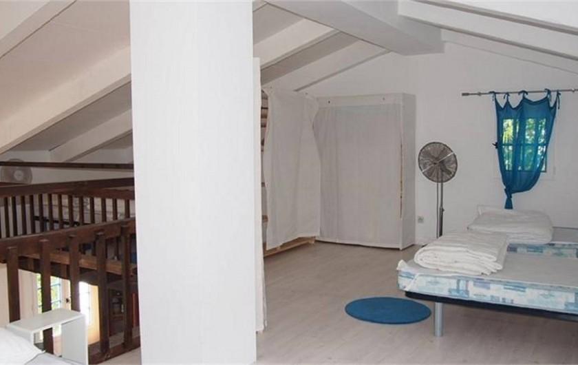 Location de vacances - Villa à Porticcio - Mezzanine 6-7 couchages, idéale pou les enfants