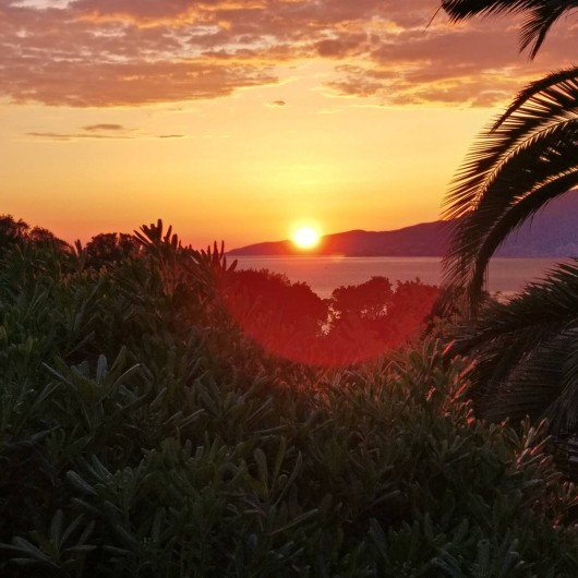 Location de vacances - Villa à Porticcio - Coucher de soleil exceptionnel sur les îles sanguinaires en soirée