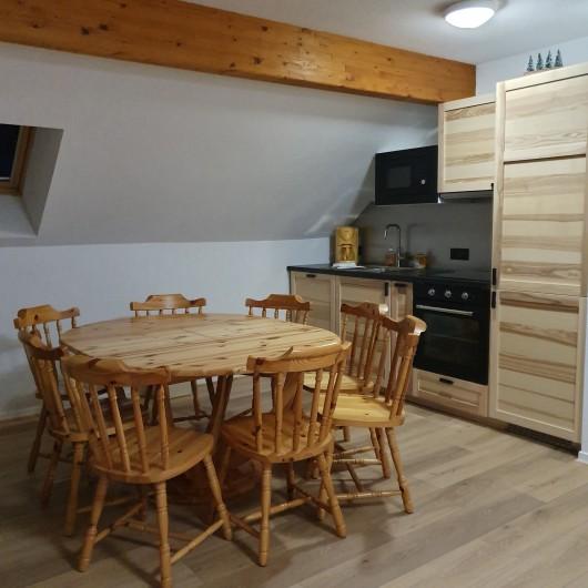 Location de vacances - Appartement à Loudenvielle - Le coin repas entièrement neuf !